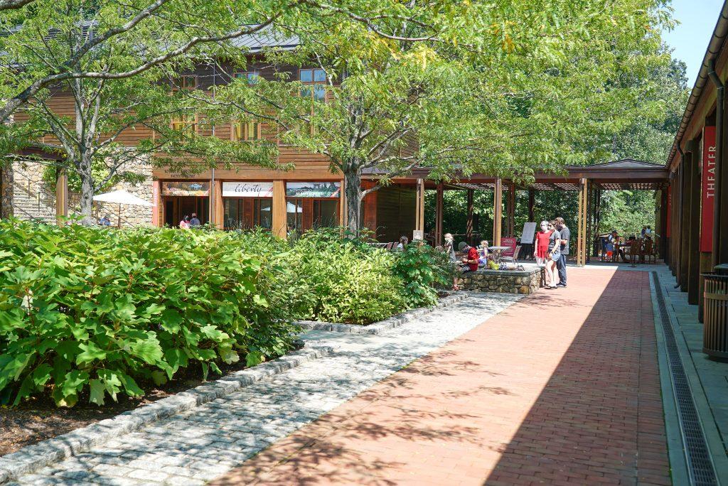 Monticello Visitor Center