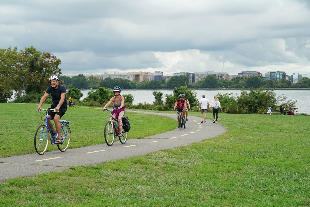 Mount Vernon Trail - Gravelly Point - Potomac River