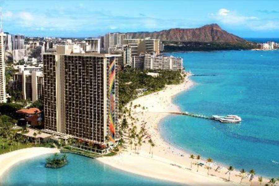 Brown hotel and blue ocean - Hilton Hawaiian Village Waikiki Beach Resort