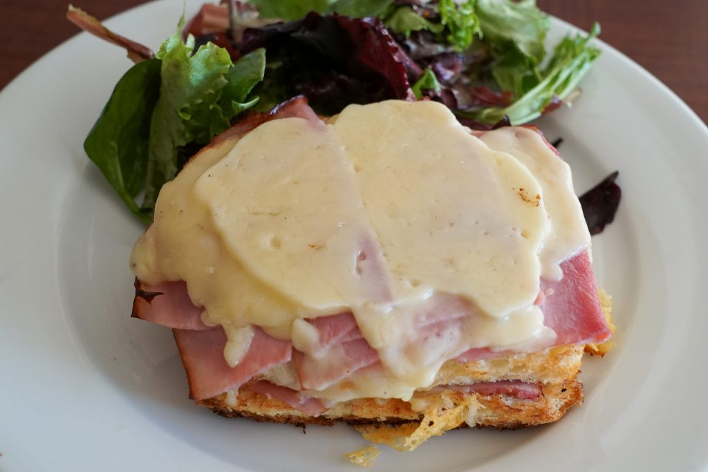 Croque monsieur - best things that you have to eat in France